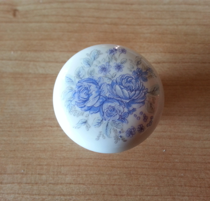 Tirador porcelana blanca con flor - Tiradores de porcelana ...